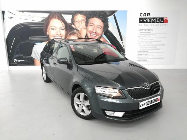 Carro Skoda Octavia Break foto principal
